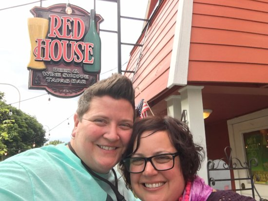 Red House Beer & Wine Shoppe: Can't wait to go back!
