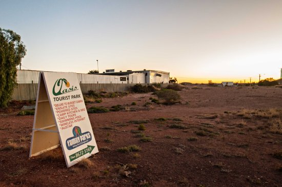 Oasis Coober Pedy Tourist Park: Outside