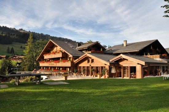 Saanenmoser, Suíça: Die gesamte Süd-West-Seite in herrlichem Licht!