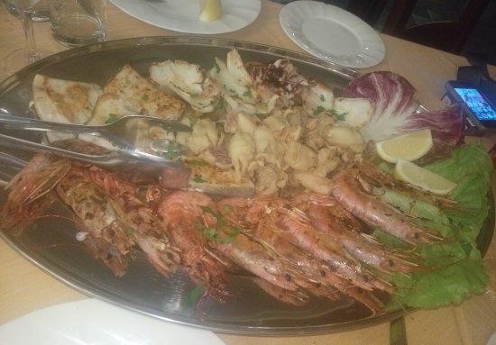 San Lucido, Italia: La grigliata
