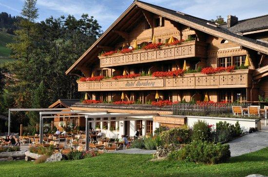 Romantik Hotel Hornberg: Unsere Sonnenterrasse: der beste Ort um die Sonne zu geniessen.