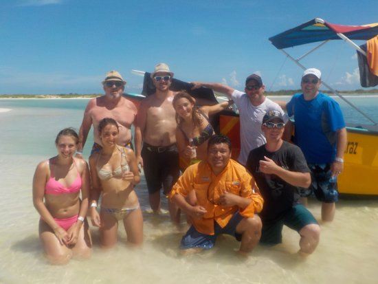Holbox Whale Shark Tours with Willy's Tours: The group!