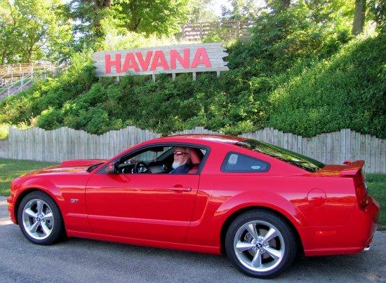 Red Lion Motor Lodge : River Front Park Havana... .. .O o-