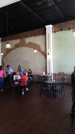 Idabel, OK: inside the dining room