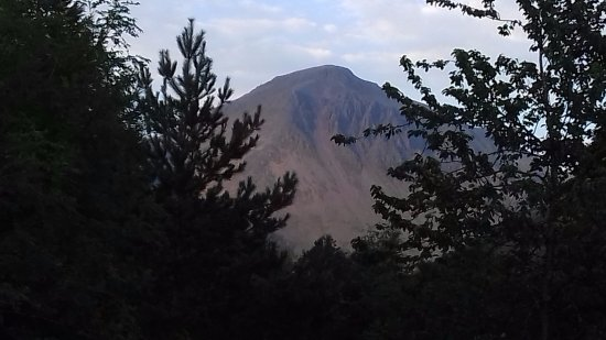 Eskdale, UK: Great Gable from the campsite.