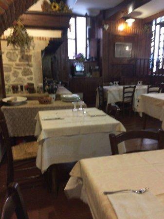 Osteria del Borgonovo : La sala