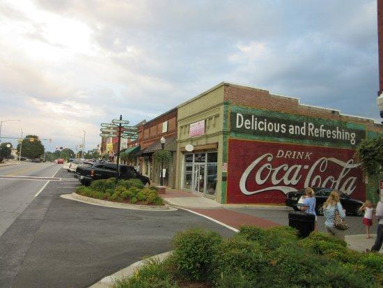 Henry S Louisiana Grill Across The Street From In Acworth Georgia