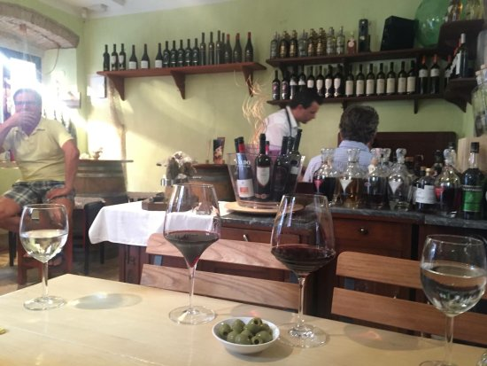 Rigo Wine bar and shop - Buffet : Wine bar in Novigrad Cittanova Istria Croatia Palazzo Rigo 1760.