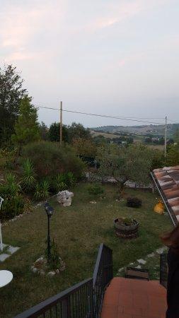 Montescudo, Italia: giardino