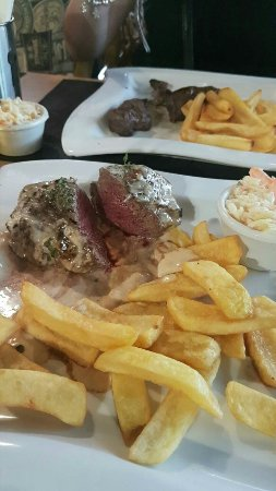 The Red Cow Restaurant & Sports Lounge : 1473531370696_large.jpg