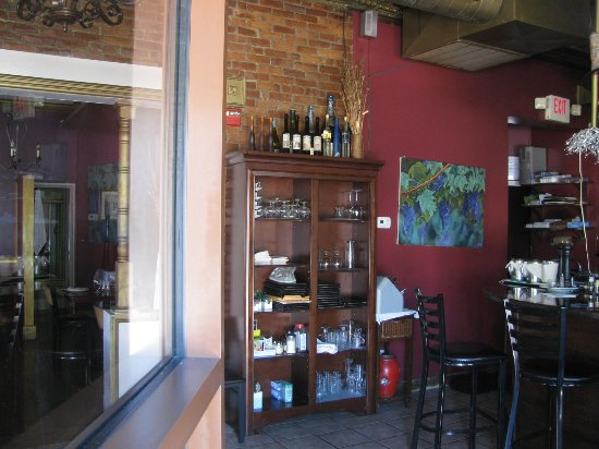 Medford, MA: partial interior view, there are two dining rooms, one by the bar