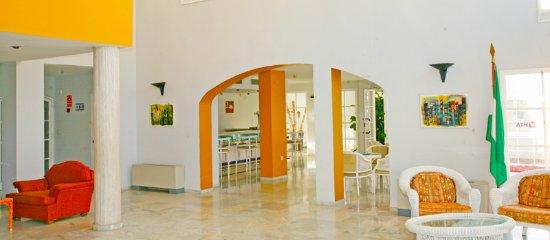 ATH La Perla: Hall Hotel