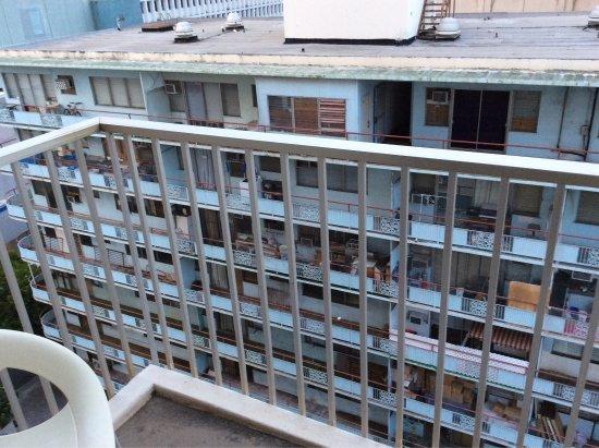 Shoreline Hotel Waikiki: Attention la vue de certaines chambre est très moyenne!