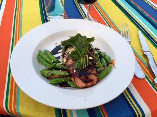 Smithfields Restaurant and Bar: flank steak