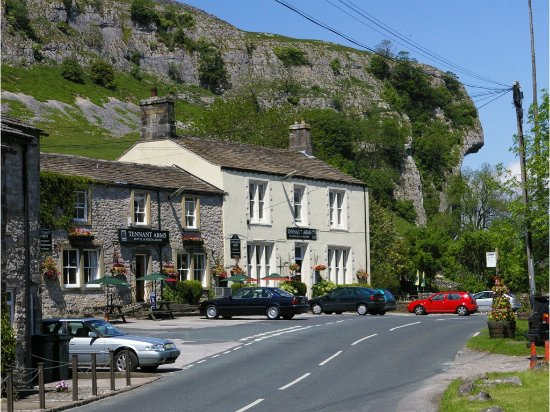 Kilnsey, UK: The Tennant's Arms Pub & Hotel
