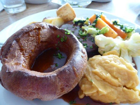 Llanwenarth, UK: Yorkie & roast beef