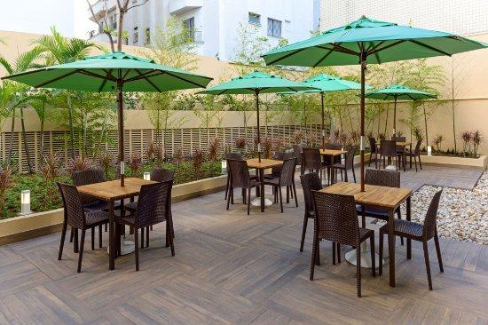 Ibis budget sao paulo jardins 2 for Deck 8 design hotel soest