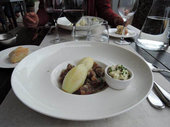 Saint-Lizier, Prancis: tete de veau