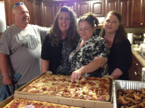 Weedsport, NY: Huge sheet Pizzas and a pan of wings.