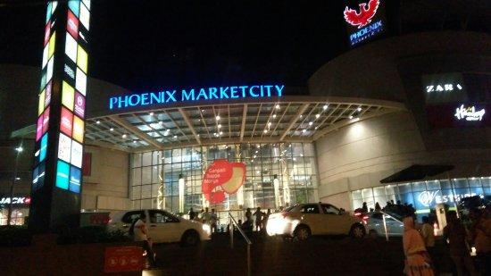 Food Court In Phoenix Mall Kurla