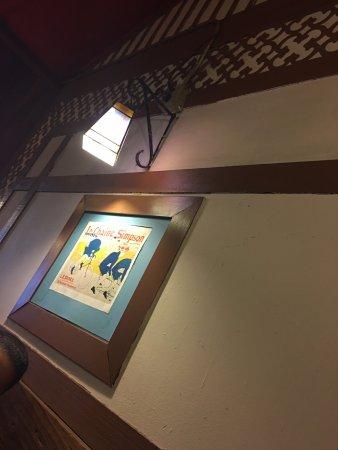 Moulin Rouge Restaurant: Inside artwork