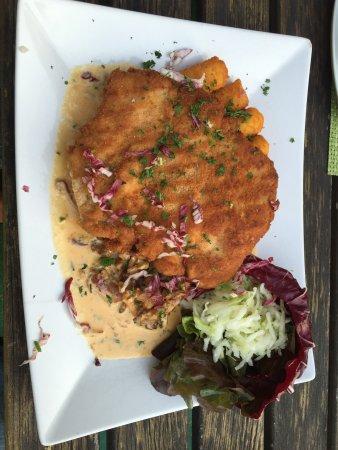 Neubrandenburg, Niemcy: Schnitzel mit Pfifferlinge