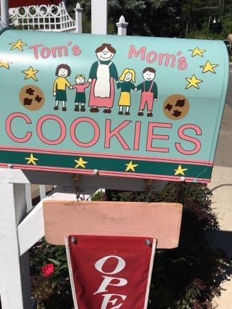 Tom's Mom's Cookies: photo1.jpg