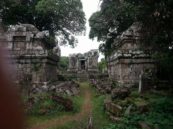 Pheng Kunthea - Phnom Bok, 23 kms from Siem Reap  Can go by