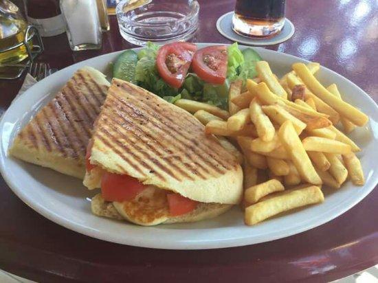 Nostalgia Taverna: Best halloumi &tomato sandwich!