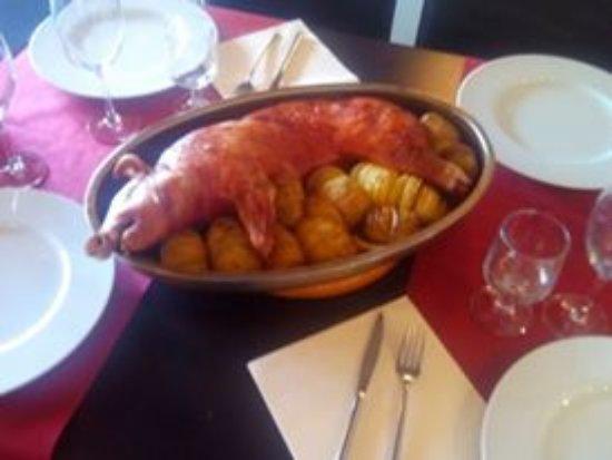 El Pueyo de Jaca, Ισπανία: Cochinillo asado