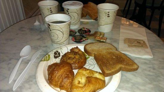 Larchmont Hotel: Desayuno