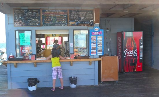 Discovery Fishing Pier: Kiosk... Great icecreams!