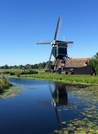 Holland Bike Tours: On the road to Nieuwpoort