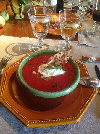 La Ferme aux Grives : Soupe fraîche de tomates et la quenelle glacée à la moutarde à l'ancienne