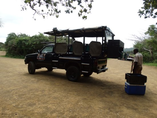 St Lucia, Afrika Selatan: David getting the coffee ready, iSimangaliso wetlands park