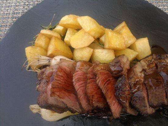 SESTO On Arno: eccellenza del filetto sublimi i cipollotti divine le patate