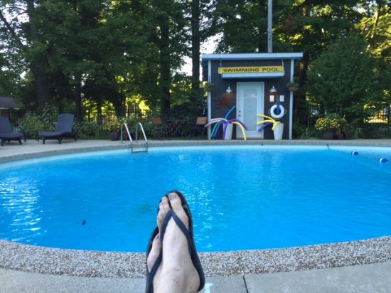 Saugatuck, MI: Great pool for chilling out with style.