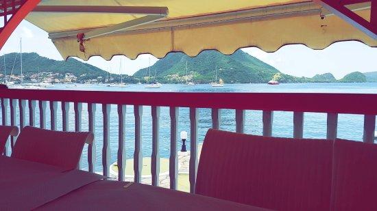 Terre-de-Haut, Gwadelupa: Vue depuis le restaurant de l'hôtel donnant sur la baie