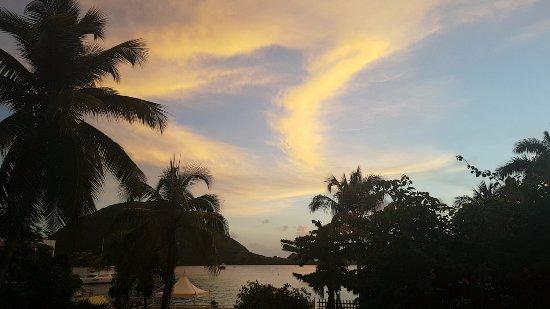 Terre-de-Haut, กวาเดอลูป: Coucher de soleil depuis le jardin du bungalow