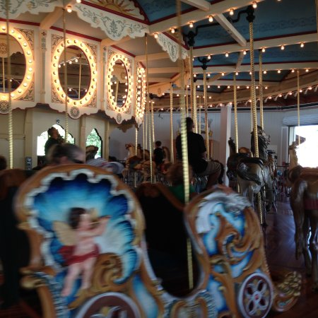 Seabreeze Amusement Park : Gorgeous painted ponies and carriages...