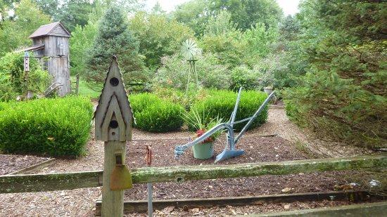 Caledonia, MO: Garden