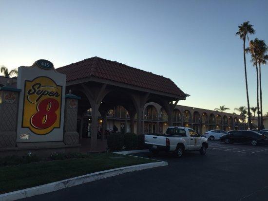 Super 8 Anaheim Near Disneyland: Super close to Disney!