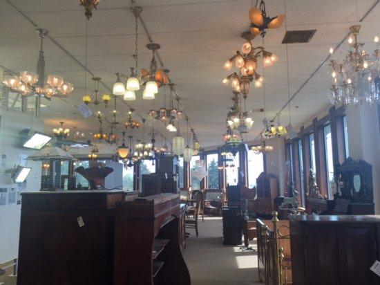 Kelly Art Deco Light Museum: Chandeliers