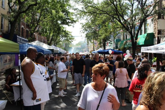 Arthur Avenue Retail Market: These were all the people have a great time!