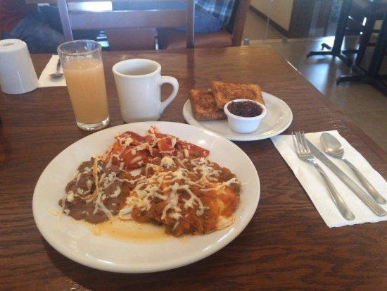 Cuauhtemoc, Mexico: Rico desayuno, la salsa de los huevos rancheros como ninguna esta deliciosa