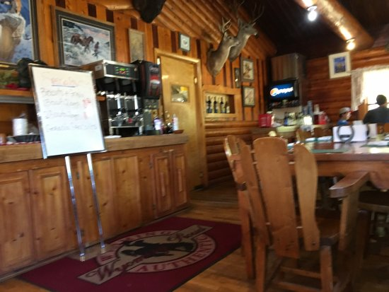 South Fork Mountain Lodge: Dining area of main building.