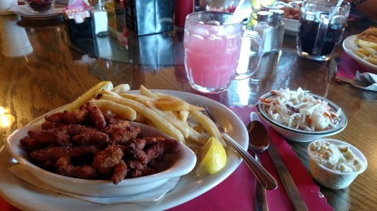 Henderson, NY: Seafood and fries