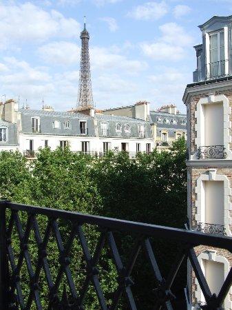 Hotel Relais Bosquet Paris: Eiffel Tower from our window