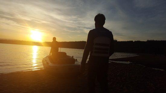 Aviemore, UK: Mates really enjoy while boating