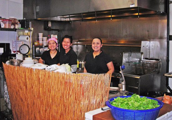 Νησί Camano, Ουάσιγκτον: The staff of the Jasmin Thai Express